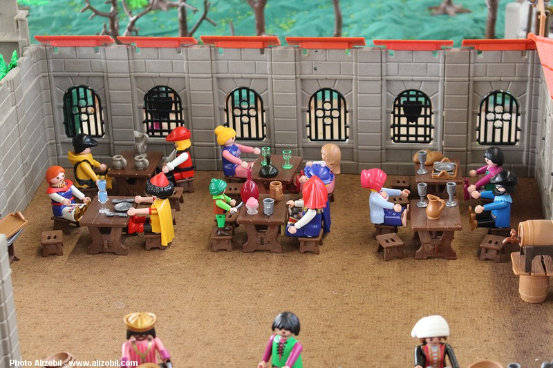 IMG_7951-Playmobil-photos-Alizobil-exposition-Rochechouart-le-page-2014.jpg
