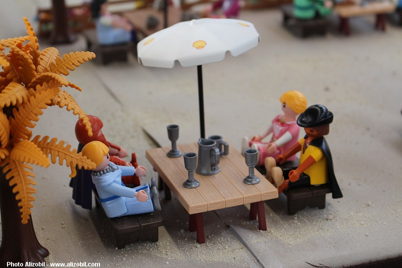 IMG_7952-Playmobil-photos-Alizobil-exposition-Rochechouart-le-page-2014.jpg