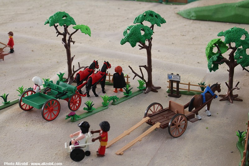 IMG_7955-Playmobil-photos-Alizobil-exposition-Rochechouart-le-page-2014.jpg