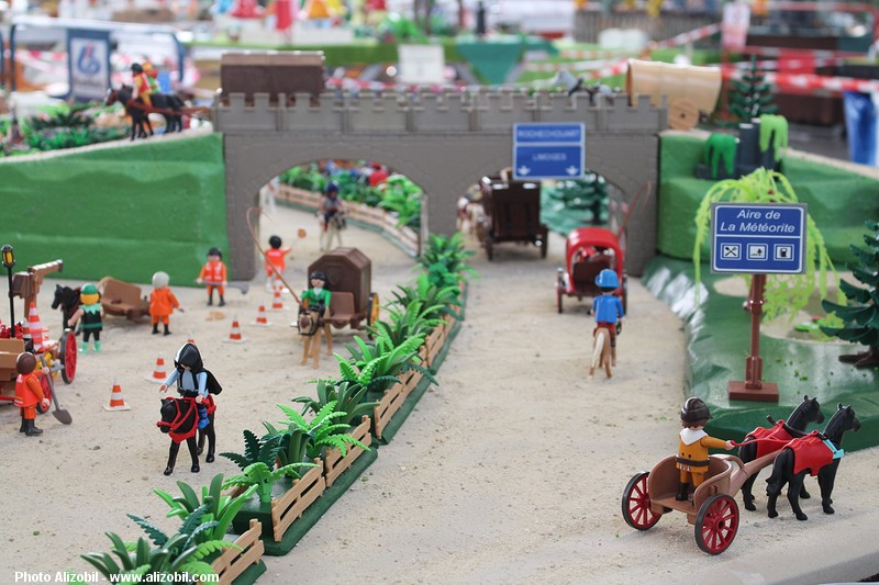 IMG_7958-Playmobil-photos-Alizobil-exposition-Rochechouart-le-page-2014.jpg