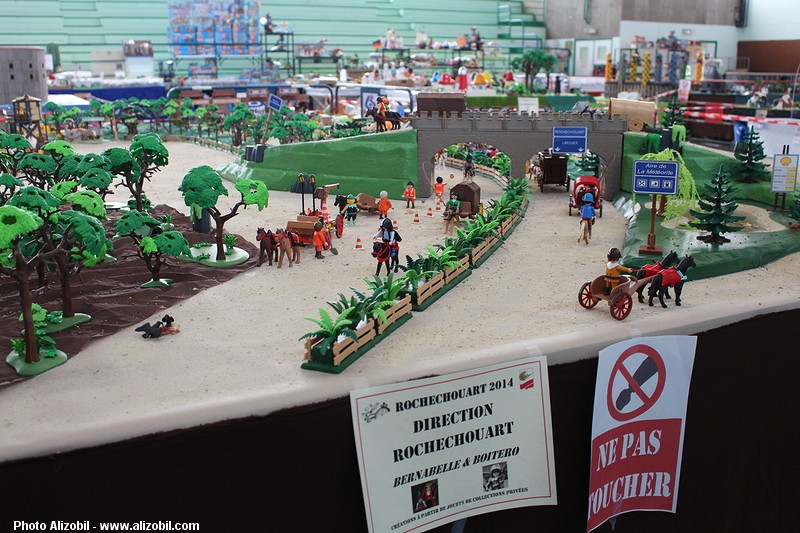 IMG_7959-Playmobil-photos-Alizobil-exposition-Rochechouart-le-page-2014.jpg