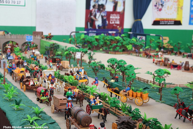 IMG_7964-Playmobil-photos-Alizobil-exposition-Rochechouart-le-page-2014.jpg