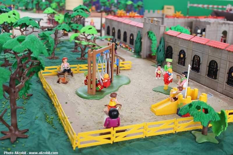 IMG_7967-Playmobil-photos-Alizobil-exposition-Rochechouart-le-page-2014.jpg