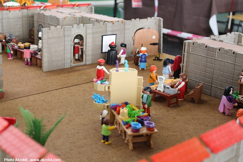 IMG_7968-Playmobil-photos-Alizobil-exposition-Rochechouart-le-page-2014.jpg